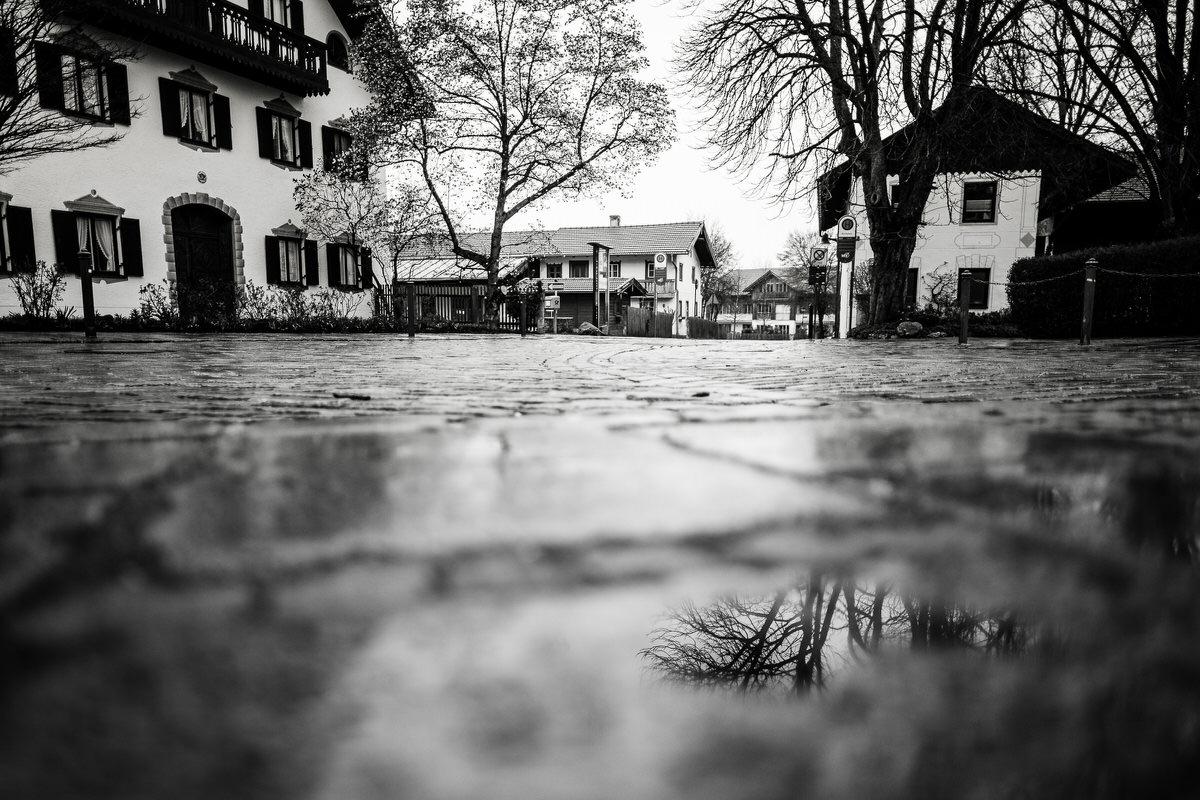 Kirchplatz Oberhaching leergefegt